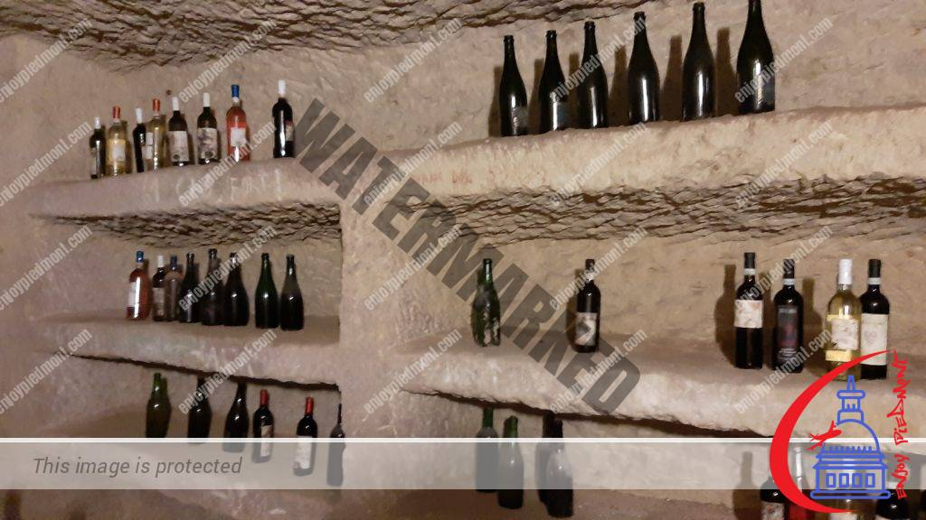 Wine storage niches inside an Infernot