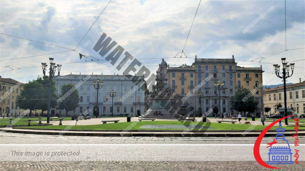 Top Things to Do in Turin - Piazza Carlina