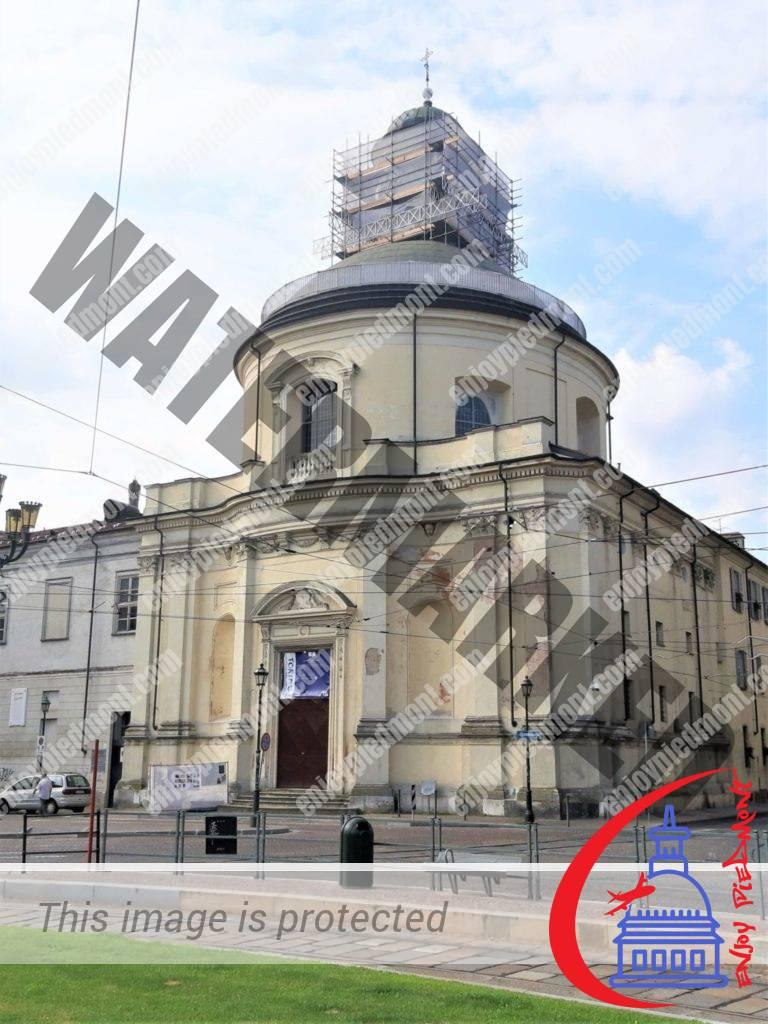 Piazza Carlina - Chiesa di Santa Croce