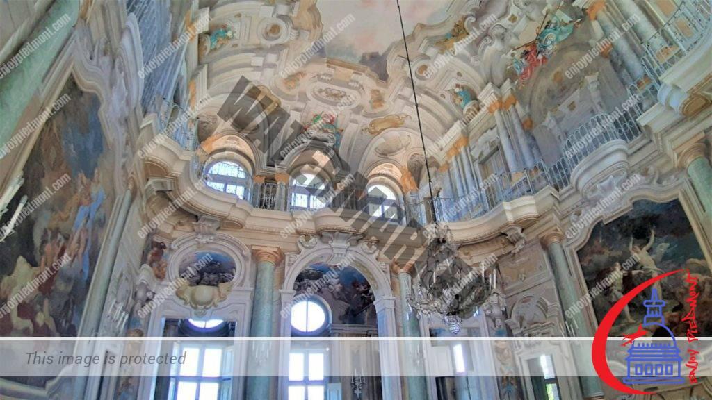 Villa della Regina - inside