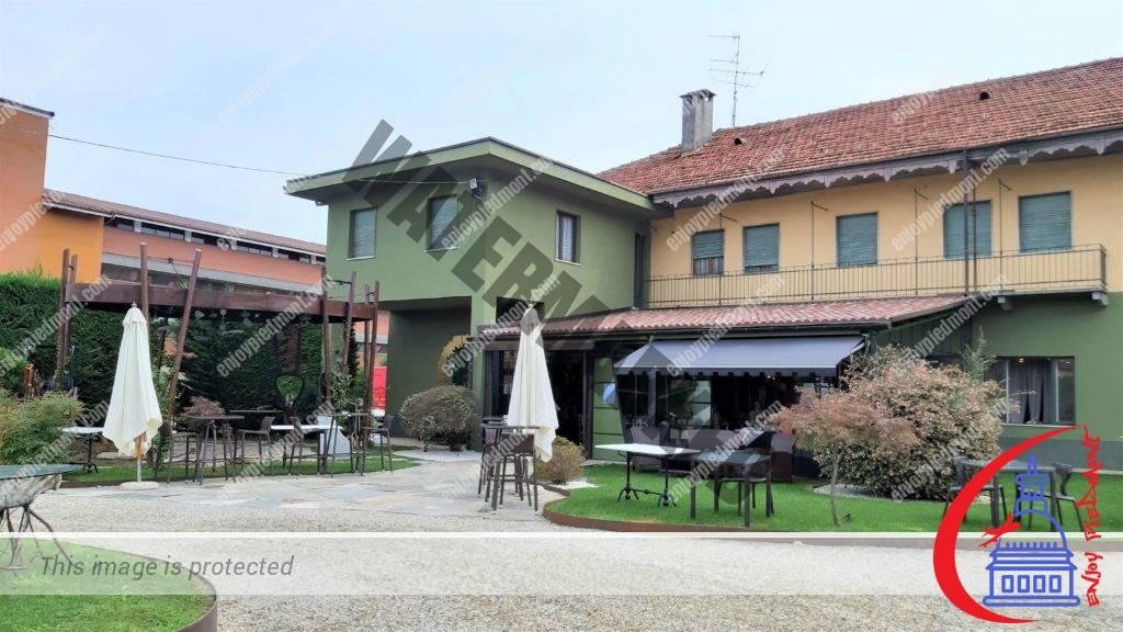 Revello - Ristorante del Bramafam - outdoor seating area
