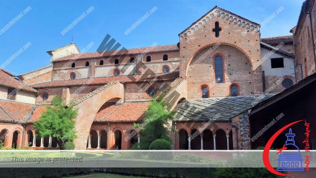 Staffarda Abbey - internal courtyard and church